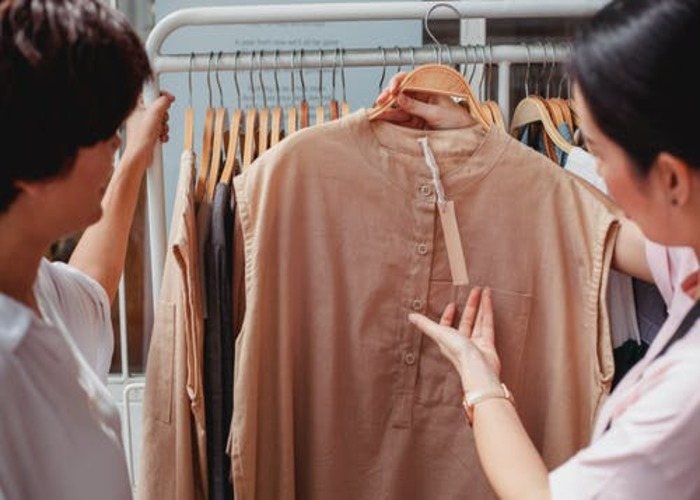 bulk wholesale clothing distributors